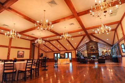 Indoor Barn Venue Weddings Spencer Ma Worcester Boston Country